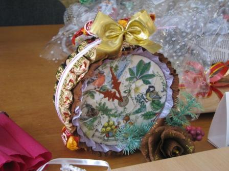 Подарунковий годинник в техниці sweet-дизайн